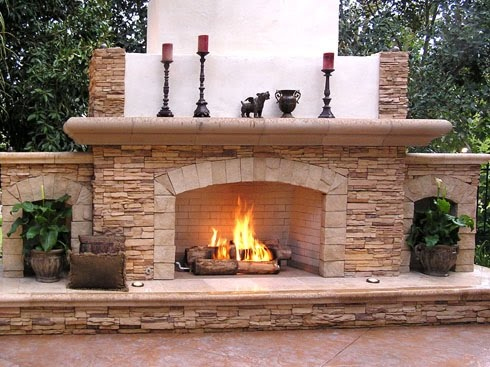 Cozy U0026 Romantic Outdoor Fireplace Designs   2