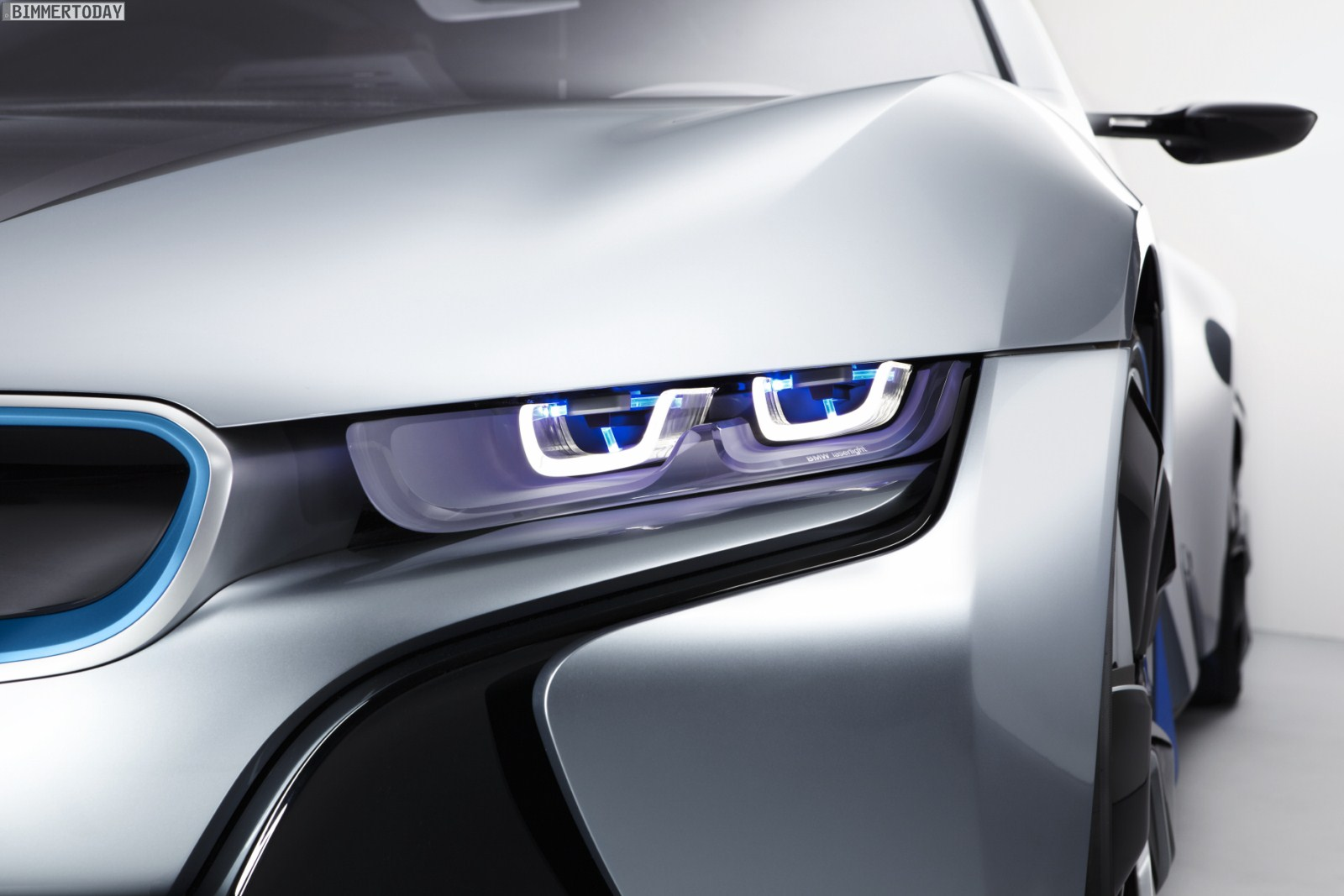 BMW Introduces Laser Headlights